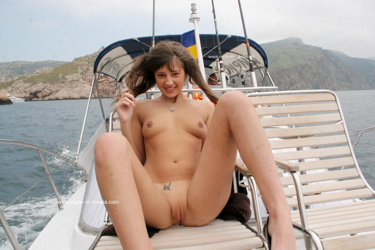 Girls pussy in the boat marina